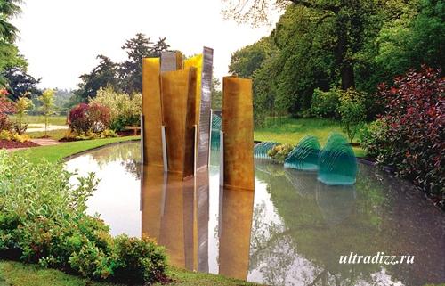 стеклянные скульптуры в современном ландшафтном дизайне