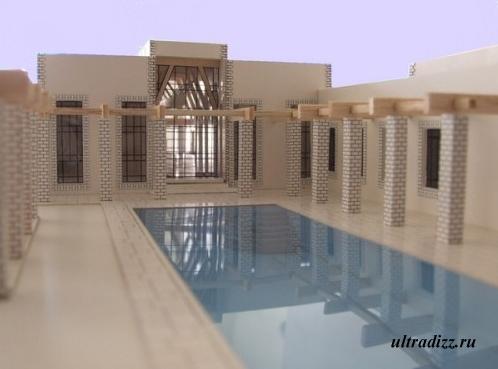 внутренний двор с бассейном