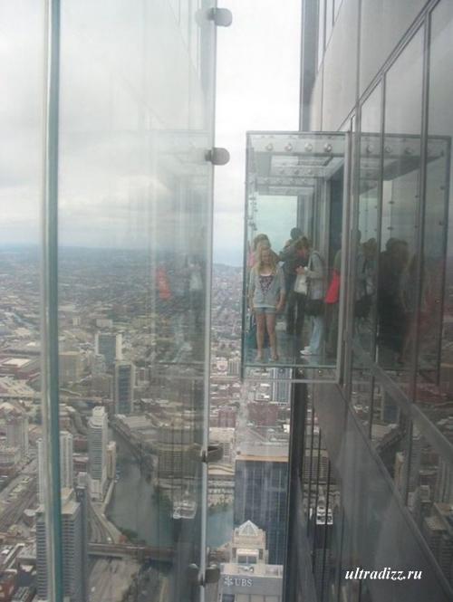 стеклянный балкон на 103 этаже