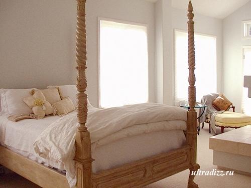 кровать для романтической спальни