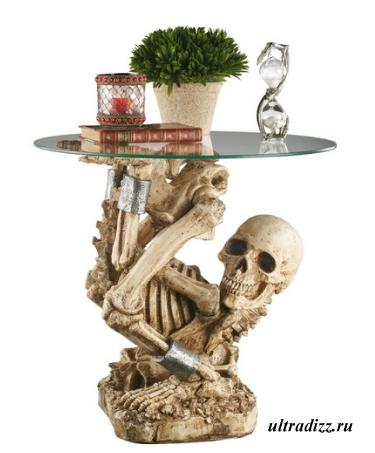 готический столик