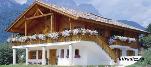 двухэтажный дом с деревянным вторым этажом