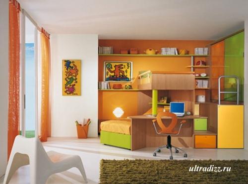 интерьер подростка с зелено-желто-оранжевым декором