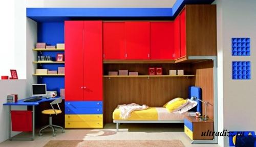 контрастная мебель в комнате подростка