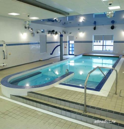 встроенный бассейн с гидротерапией