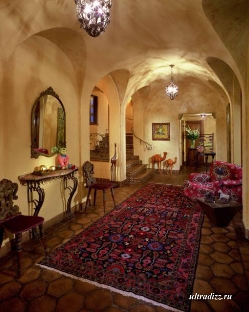 роскошный длинный коридор