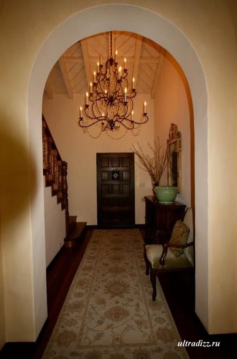 элегантный проход в доме