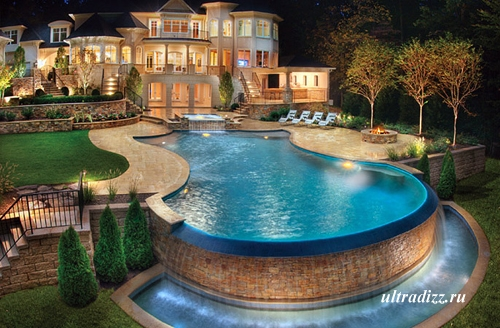 роскошный частный бассейн
