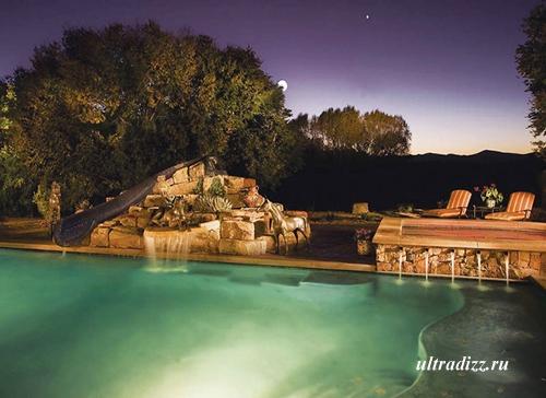 красивый бассейн с фонтаном фото