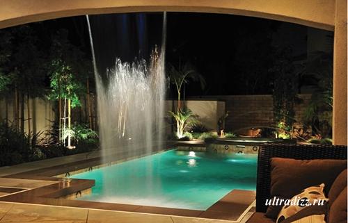 красивый бассейн с фонтаном