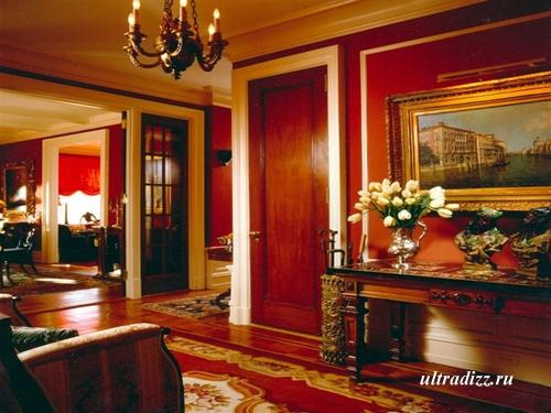 красный цвет в классическом интерьере