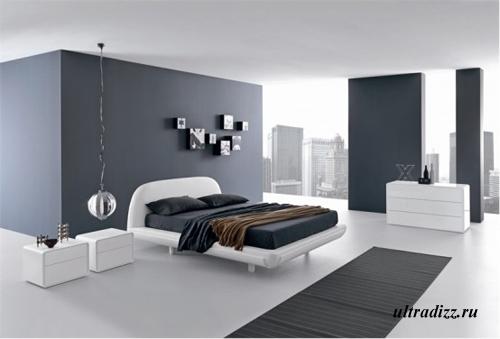 контрастные фрагменты стен в большой комнате