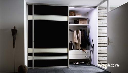 современный шкаф купе в прихожей