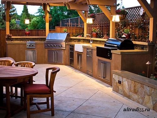 летняя кухня со столовой
