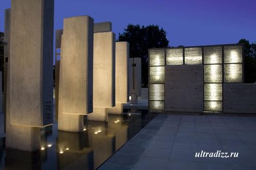 литракон в архитектуре мемориала