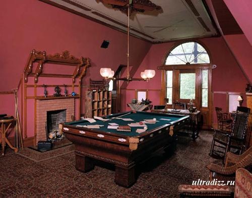 дизайн бильярдной комнаты с камином