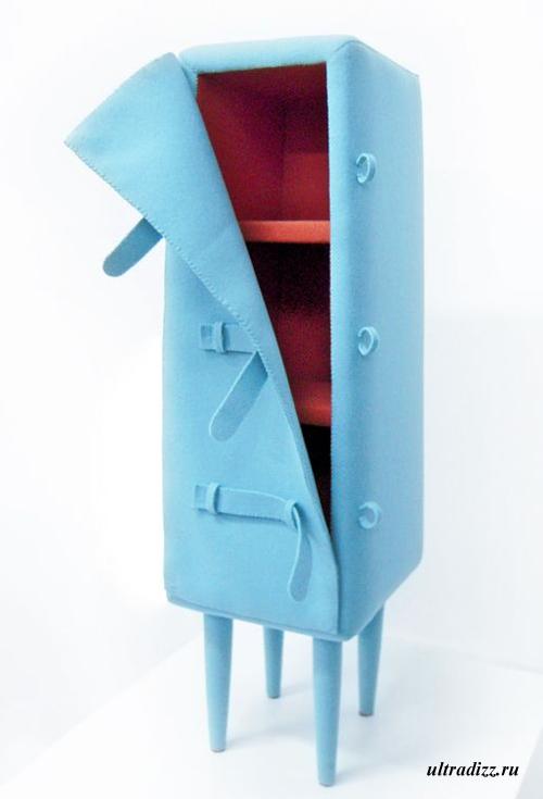 шкаф с дверкой на ремнях