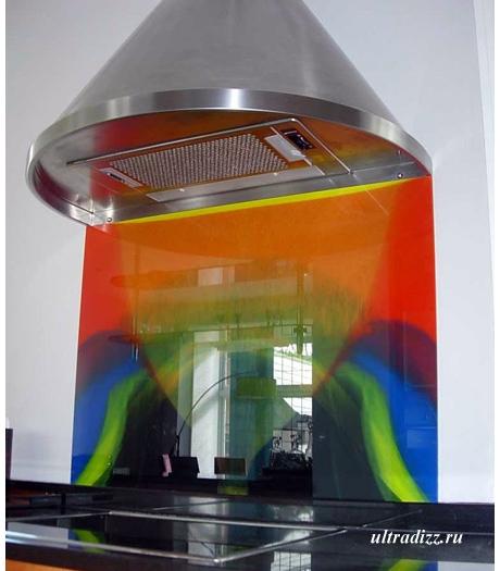 яркий кухонный фартук из стекла