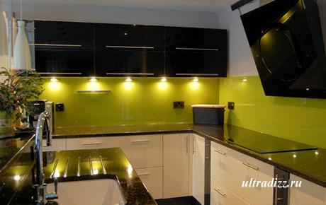 стеклянный кухонный фартук цвета лайм