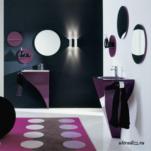 фиолетовый цвет в интерьере ванной