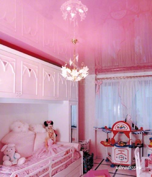 французский потолок в детской