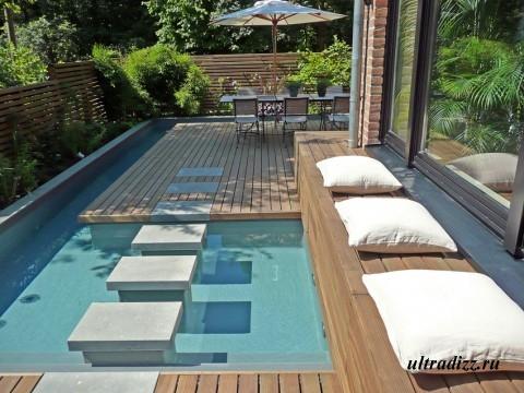роскошный бассейн в частном доме