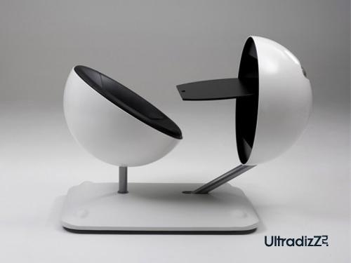 необычный столик для ноутбука для маленьких комнат