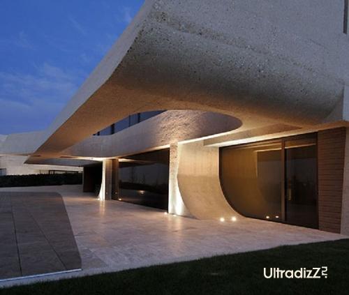 встроенная подсветка дома из бетона