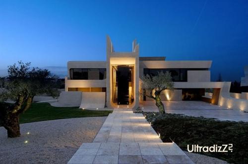 подсветка фасада дома из бетона