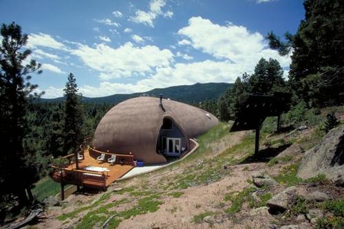 частный монолитный дом с террасой