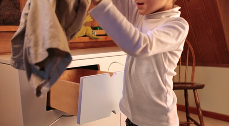 удобное хранение детских вещей в комоде