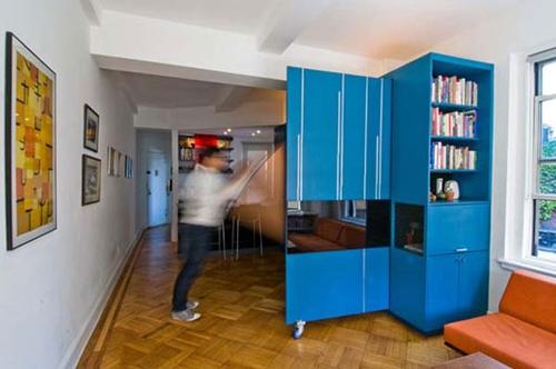 шкаф с дверкой-перегородкой