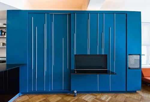 оригинальный шкаф в дизайне квартиры