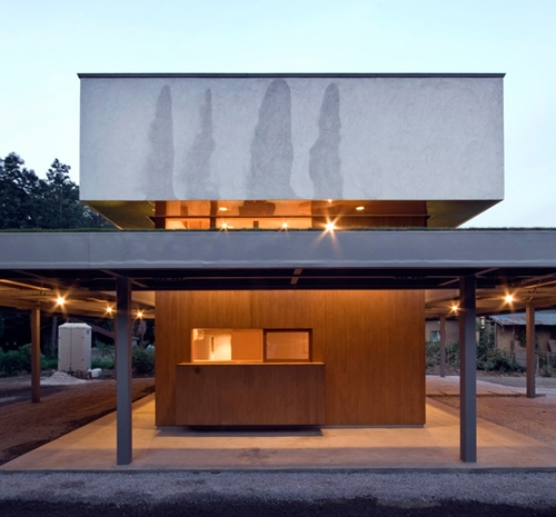 боковой фасад дома