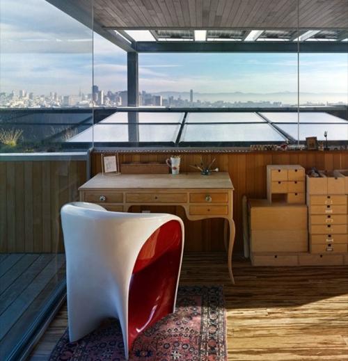 рабочий кабинет на крыше пристройки