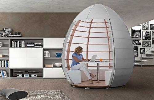 универсальная комната в виде кабинета или столовой