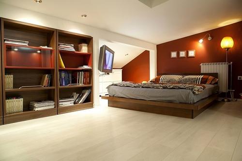 спальня в интерьере красивой квартиры