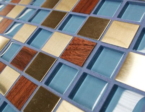 мозаичная плитка с деревянными элементами