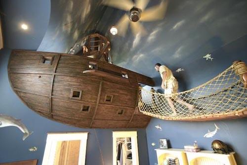 пиратский корабль в интерьере детской комнаты