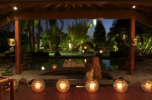 ландшафтные светильники в частном дворе
