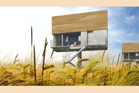 модульный дом в поле