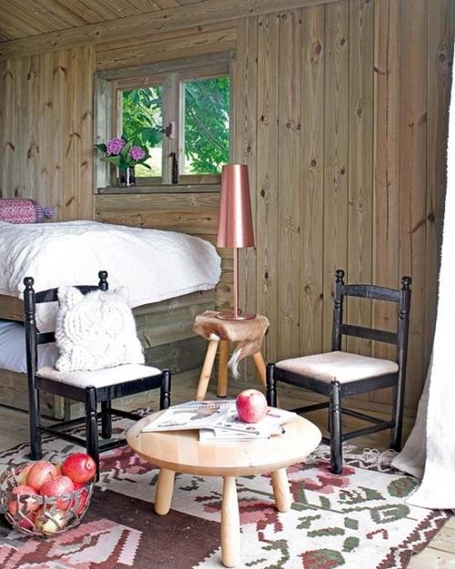 интерьер деревянного летнего домика