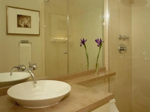 декор в дизайне ванной комнаты