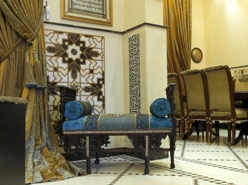 арабский интерьер с современной мебелью