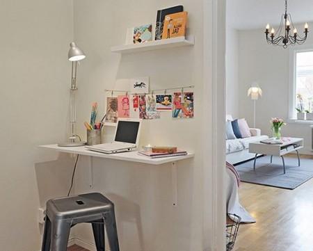 стол для ноутбука на кронштейнах