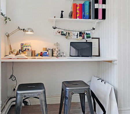 самодельный стол для ноутбука