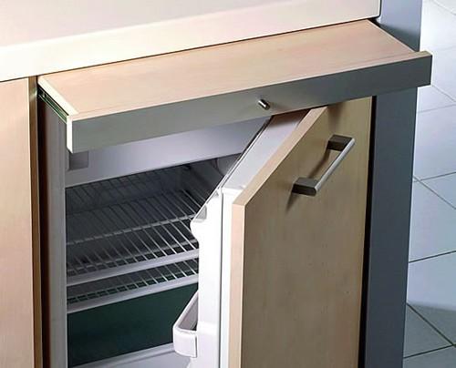 мини кухня со встроенным холодильником