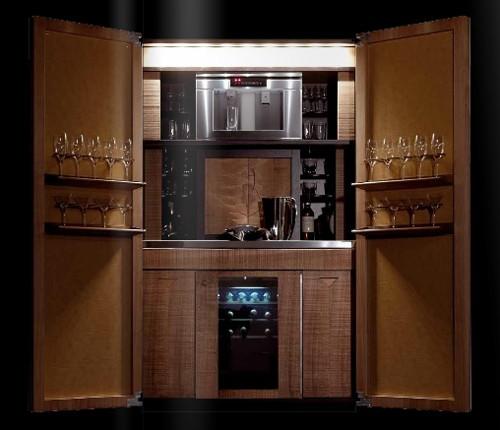 встроенный бар в кухонном шкафу