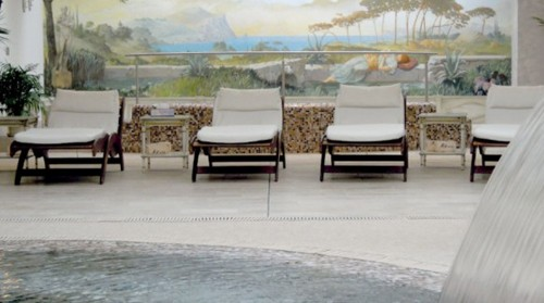 художественная роспись в интерьере с бассейном