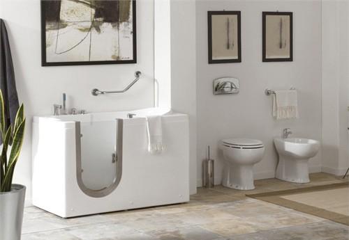 дизайн ванны с дверкой